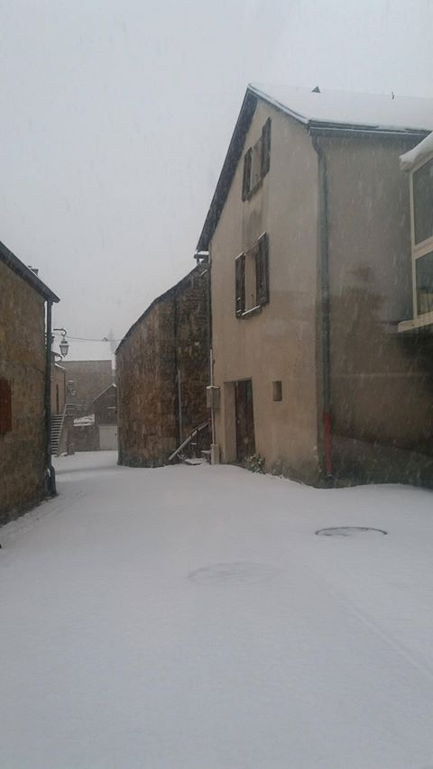 La neige s'est invitée à Aumont Aubrac.