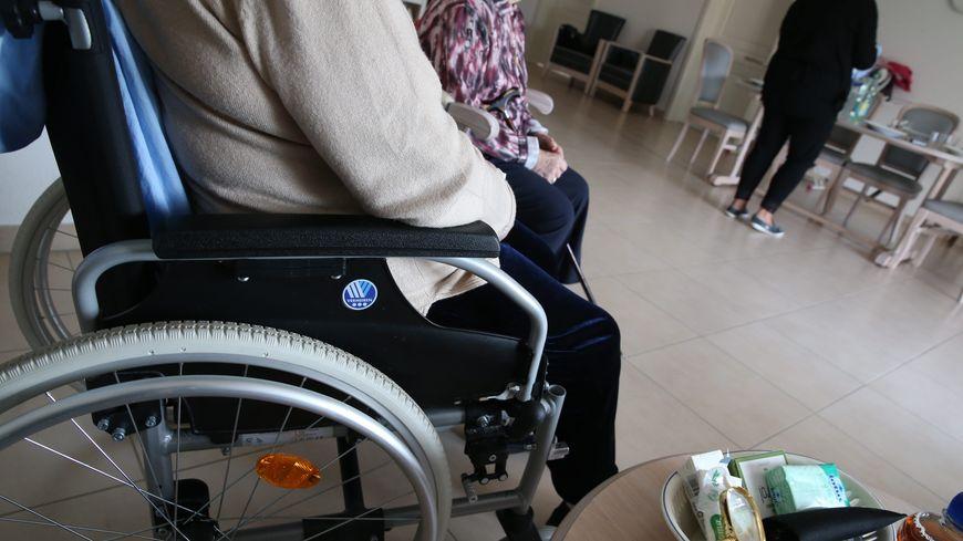 De plus en plus de personnes agées et pas assez de soignants dans les Ephad