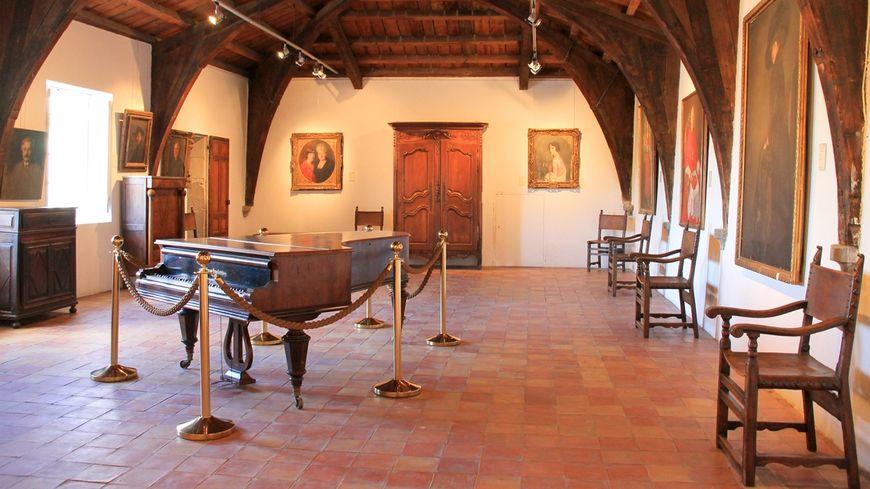 Une des salles du Château de Simiane à Valréas.