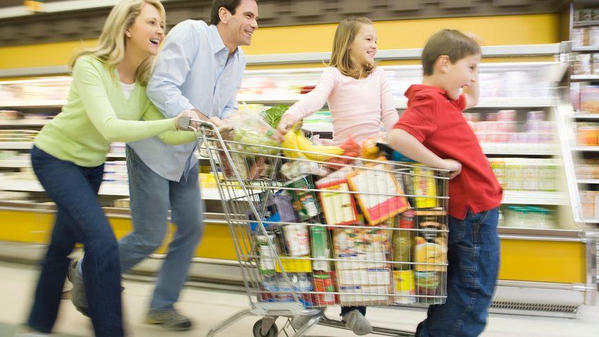 C'est parti pour les courses en magasin! Illustration