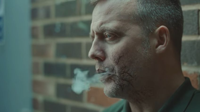 Les effets dévastateurs d'une cigarette sur nos veines sont montrés dans cette publicité britannique