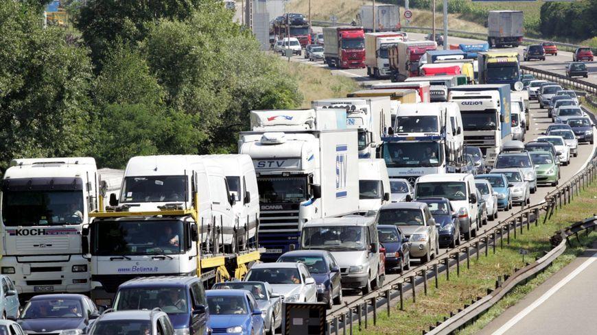 D'après les pro-GCO, le contournement ouest devrait réduire les bouchons aux abords de Strasbourg.