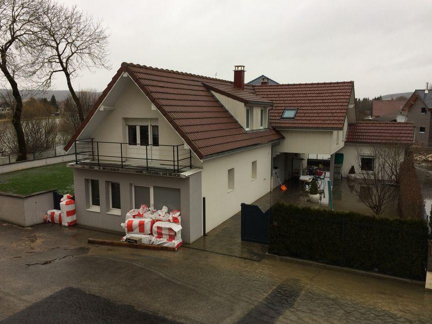 Rue Basse, plusieurs habitations ont été complètement inondées.