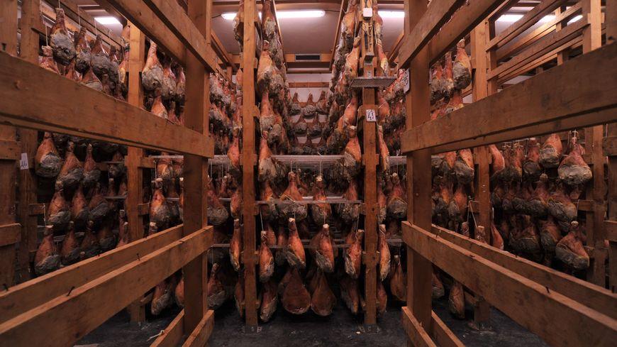 Le séchoir à jambons de la Maison Filière à Avignon
