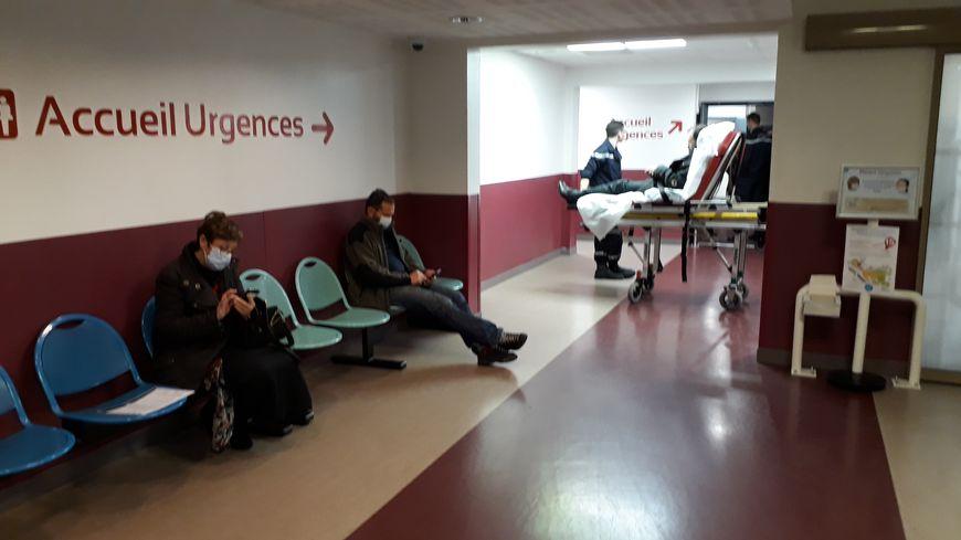Les urgences du CHU Grenoble Alpes où le port du masque est obligatoire.