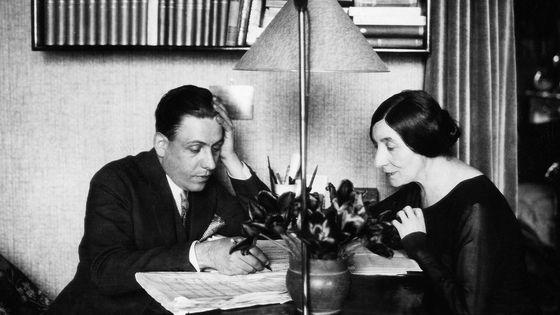 Francis Poulenc et Wanda Landowska, en 1930