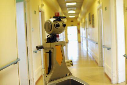 Robot utilisé dans la résidence the Scuola Superiore Sant'Anna di Pisa  pour des taches ménagères