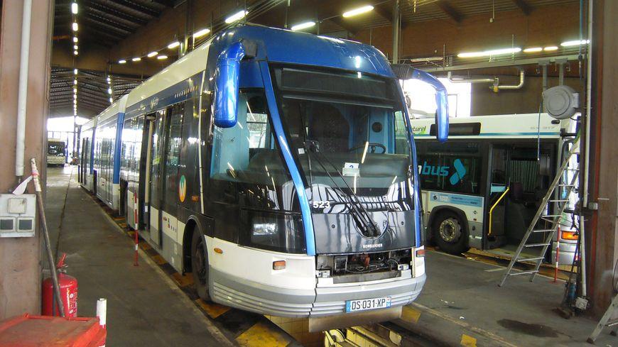 Le tram sur pneus de Caen donné pour pièces aux mécaniciens de Nancy