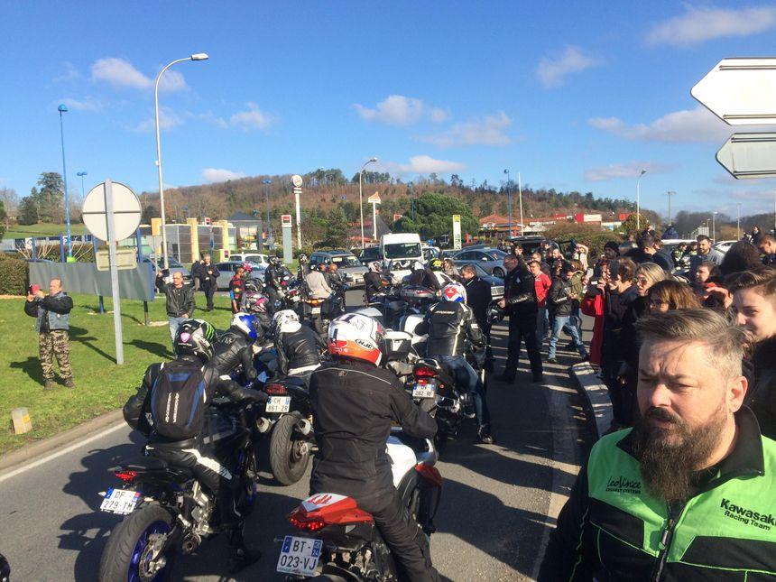 Une cinquantaine de motards ont rejoint le collectif au niveau du rond-point du Leclerc à Trélissac.