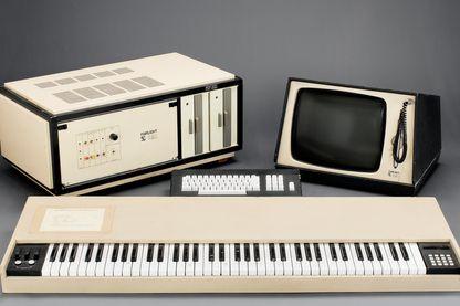 Lancé à la fin des années 1970, le Fairlight CMI est l'un des premiers échantillonneurs numériques