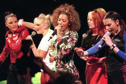 Les Spice Girls en concert au Paradiso, à Amsterdam, le 27 novembre 1997