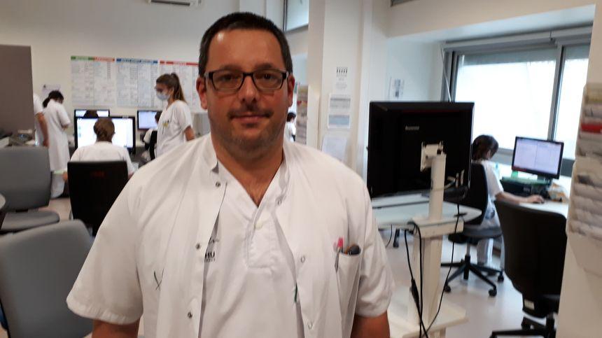 Le Docteur Maxime Maignan, responsable adjoint des Urgences du CHU de Grenoble