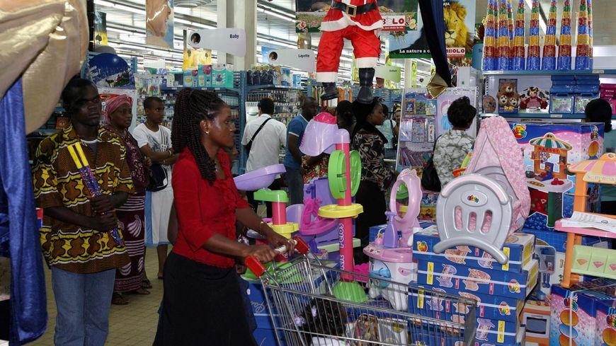 Les fêtes de Noël dans un magasin de Libreville