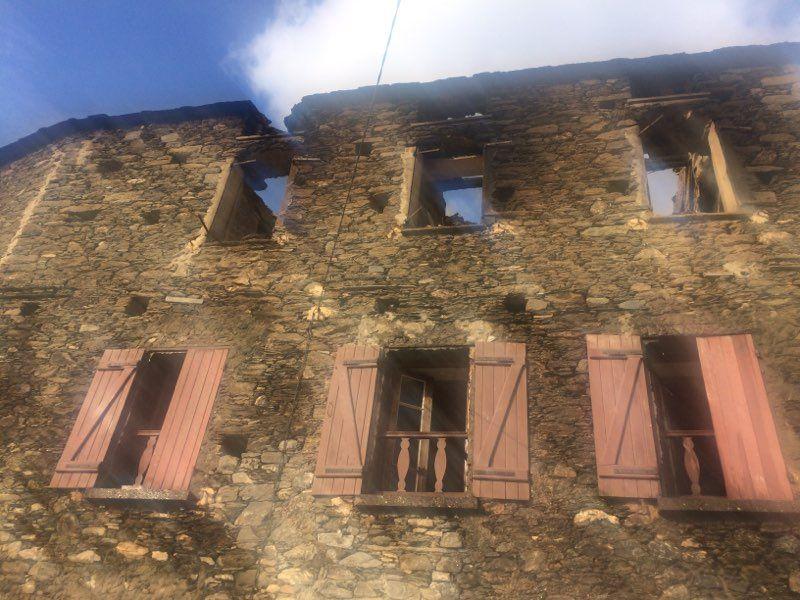 Une des dix maisons de Chjatra ravagées par les flammes.