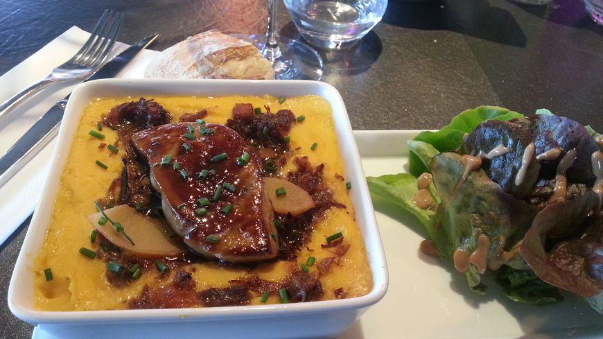 Parmentier de canard maison aux légumes oubliés et foie gras aux coings