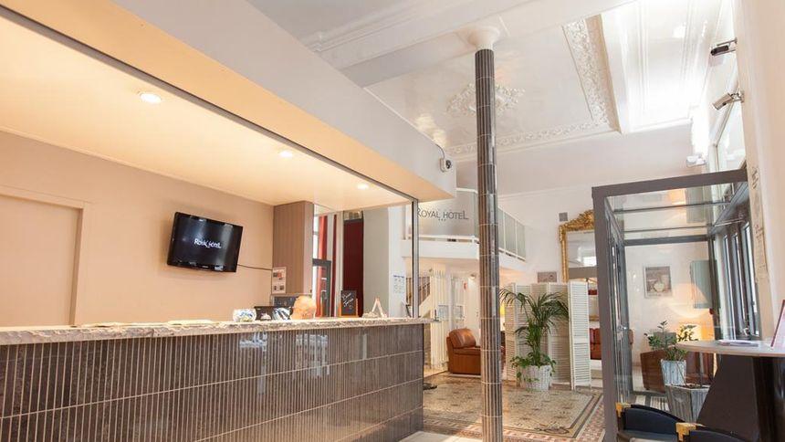 @ROYAL HOTEL GRENOBLE CENTRE ***