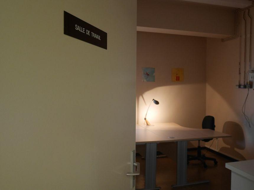 L'ancienne salle de travail devenue bureau du psychologue et de l'assistante sociale