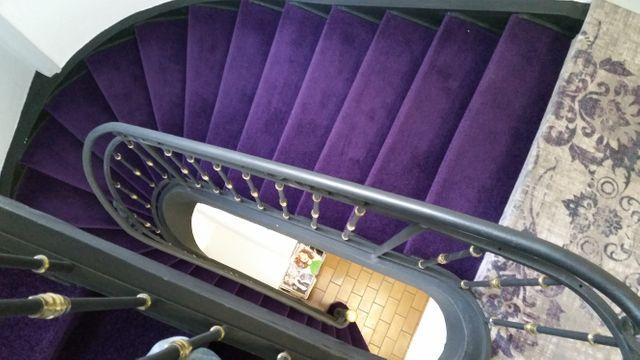 Un escalier à mettre aux normes dans l'hôtel de Montmerle-sur-Saône