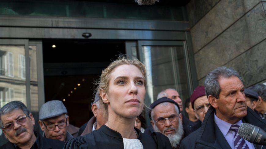 Les Chibanis en première instance, avec leur avocate, Me Clélie de Lesquen-Jonas