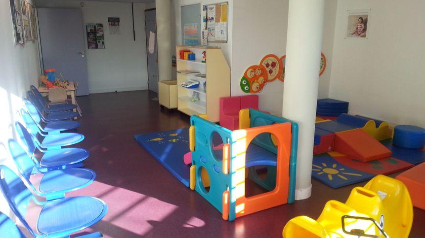La salle d'attente du service de Protection Maternelle et infantile de l'EDeS de l'Isle-sur-la-Sorgue