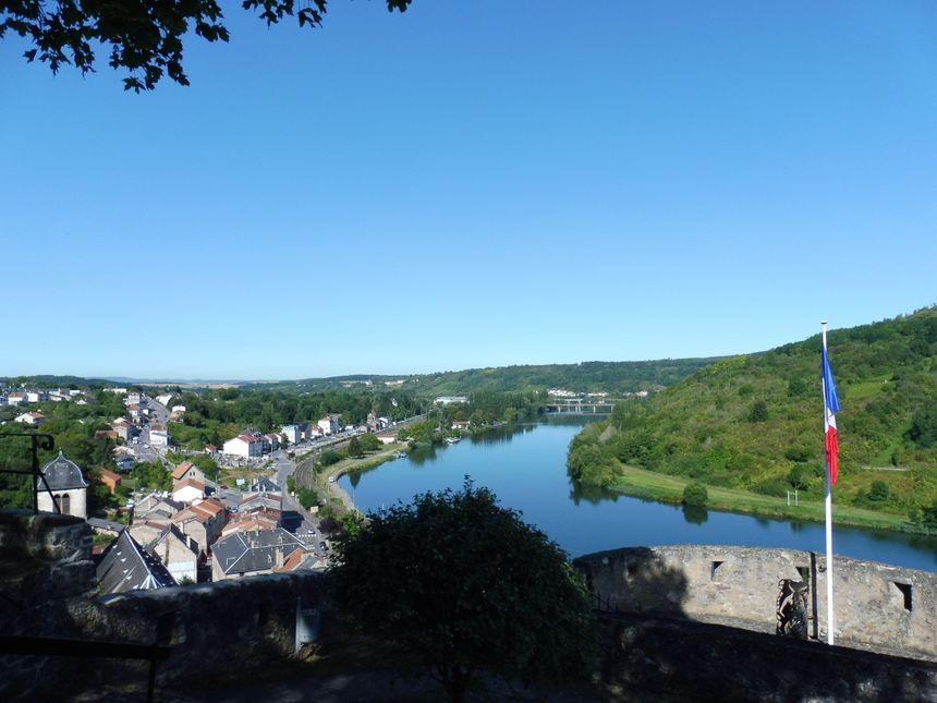 La Moselle, avant d'entrer au Luxembourg