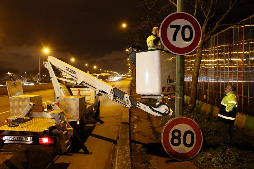 Le remplacement des 150 panneaux de limitation de vitesse avait coûté environ 27.000€ à la ville de Paris.