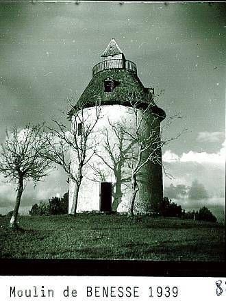 Le moulin à vent de Bénesse-les-Dax est le seul en France à posséder un belvédère.