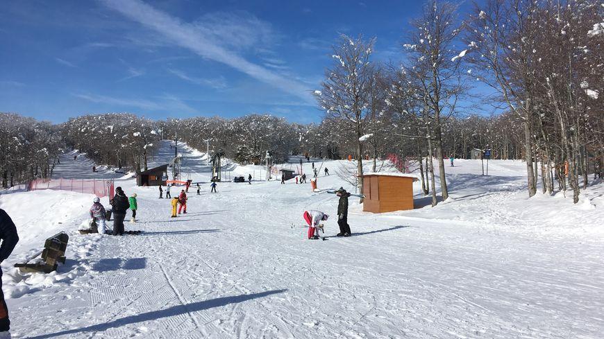La station de ski de Prat Peyrot a ouvert 4 pistes vertes ce samedi 13 janvier 2018.