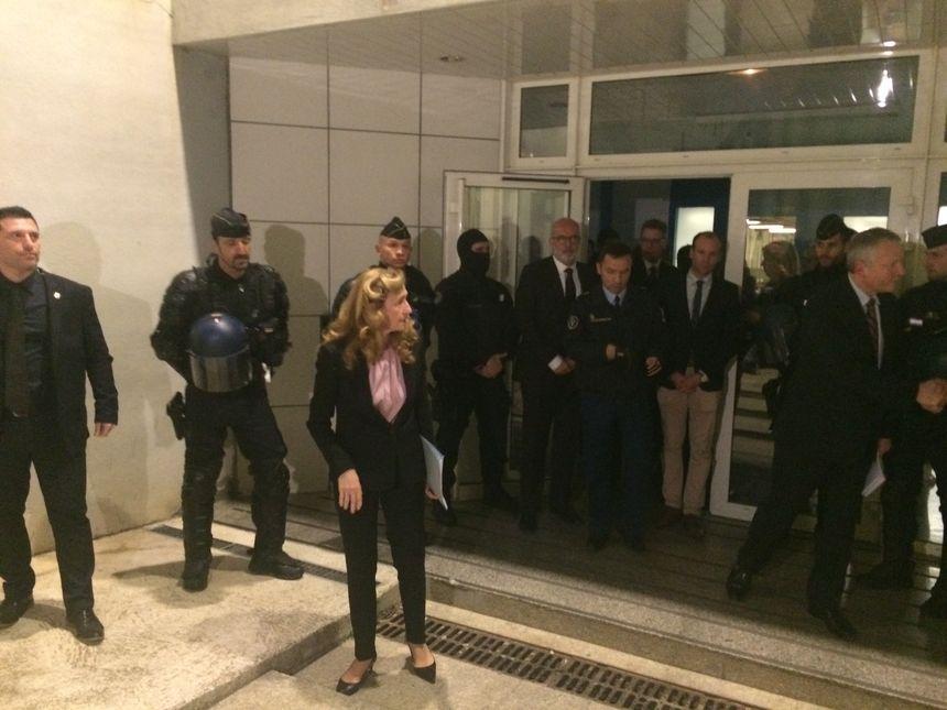 Nicole Belloubet à sa sortie du centre pénitentiaire de Borgo