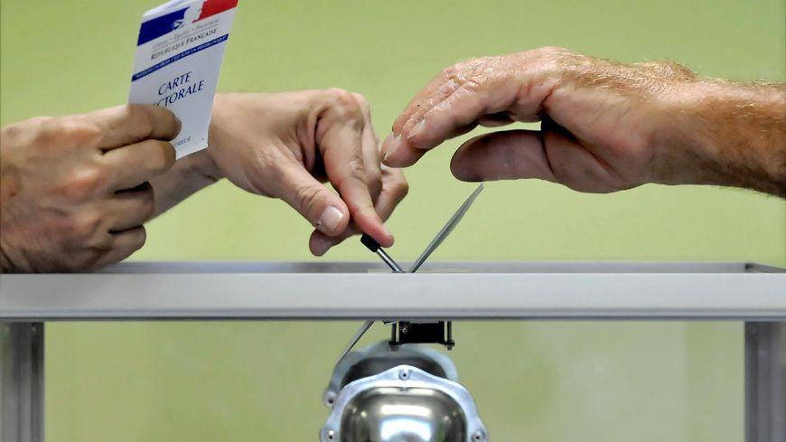l'élection aura lieu les 28 janvier et 4 février
