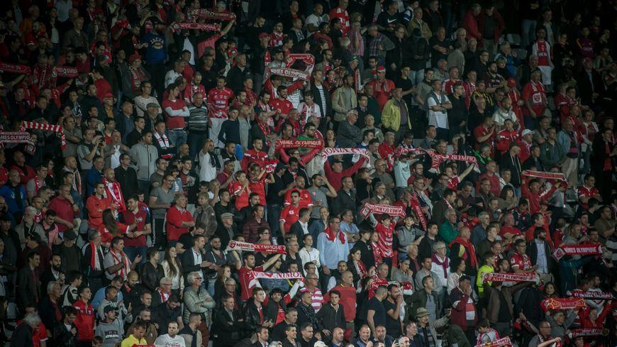 Les supporters du Nîmes Olympique