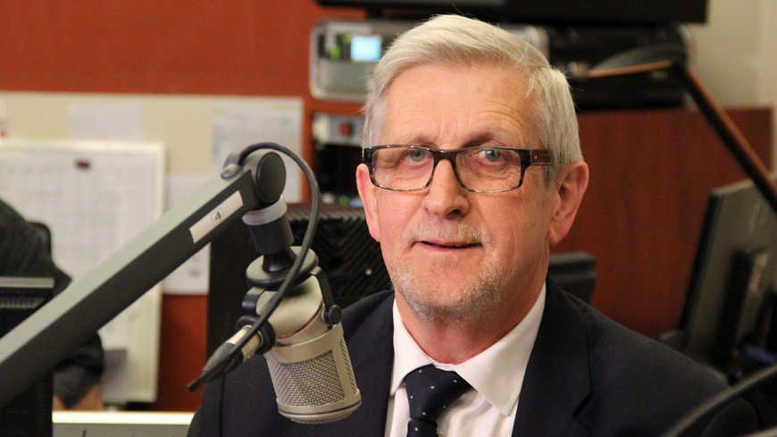 Le maire de Limoges, Emile-Roger Lombertie, au micro de France Bleu Limousin
