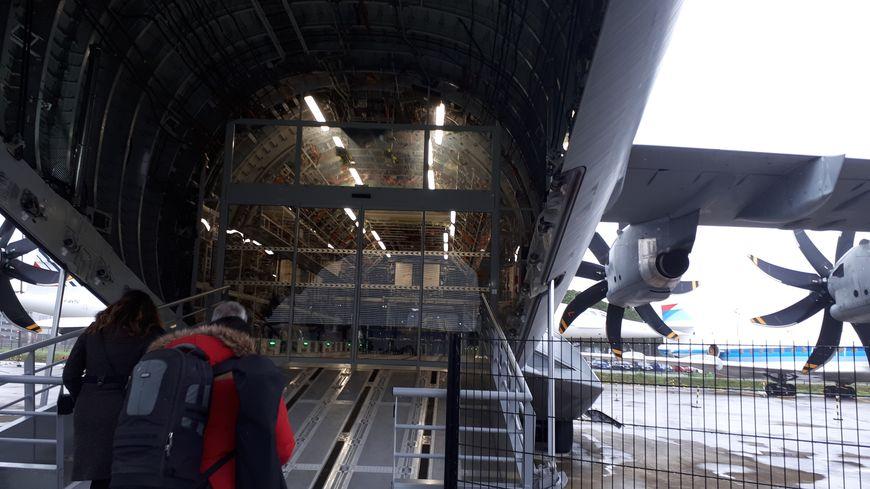 La rampe d'accès de l'A400M sur les pistes d'Aeroscopia
