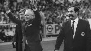 Claude Bez (à droite) au côté de Jean-jacques Chaban Delmas
