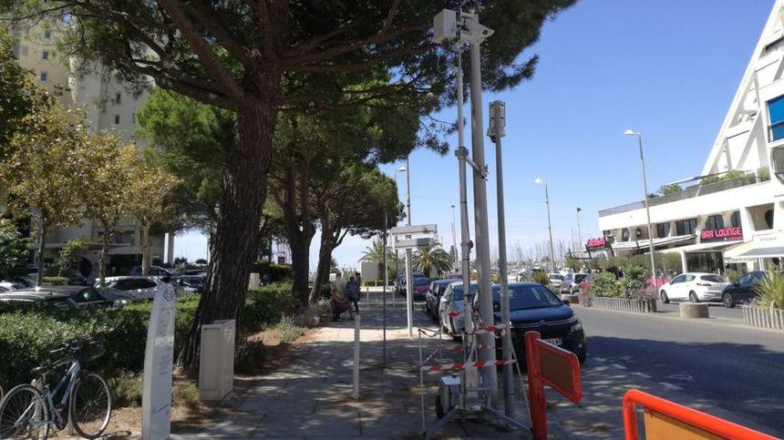 Le radar surveillant le passage piéton avait été installé à proximité de l'office du tourisme de la Grande Motte - Radio France