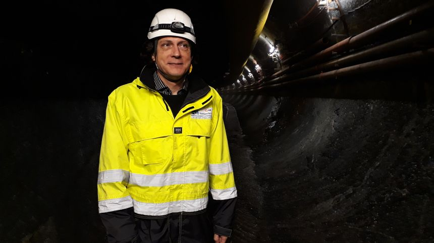 Daniel Pierra, chef d'aménagement, à l'entrée du tunnel