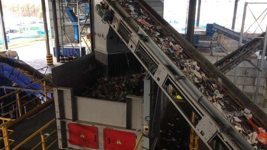 60.000 tonnes de déchets arrivent chaque année au centre de tri à Strasbourg.