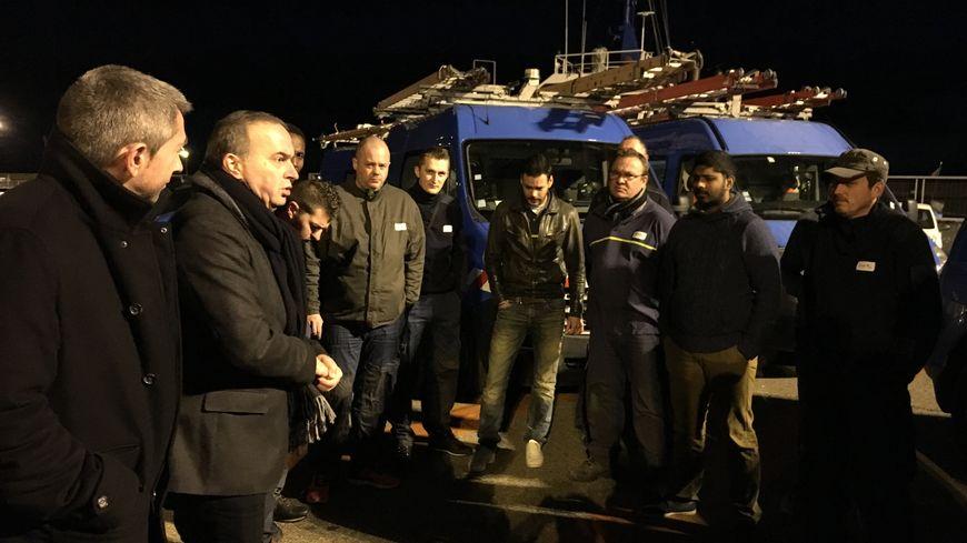Les agents ENEDIS accueillis par Don Marc Albertini, responsable EDF pour la Haute-Corse