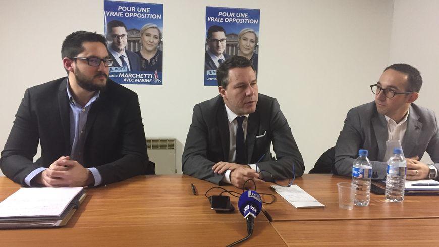 De g à d : Ludovic Marchetti (candidat FN), Jean-Lin Lacapelle (Secrétaire National aux Fédérations) et Valentin Manent (suppléant)