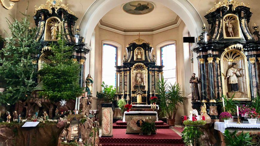 Saasenheim, les autels de l'église St Jean Baptiste