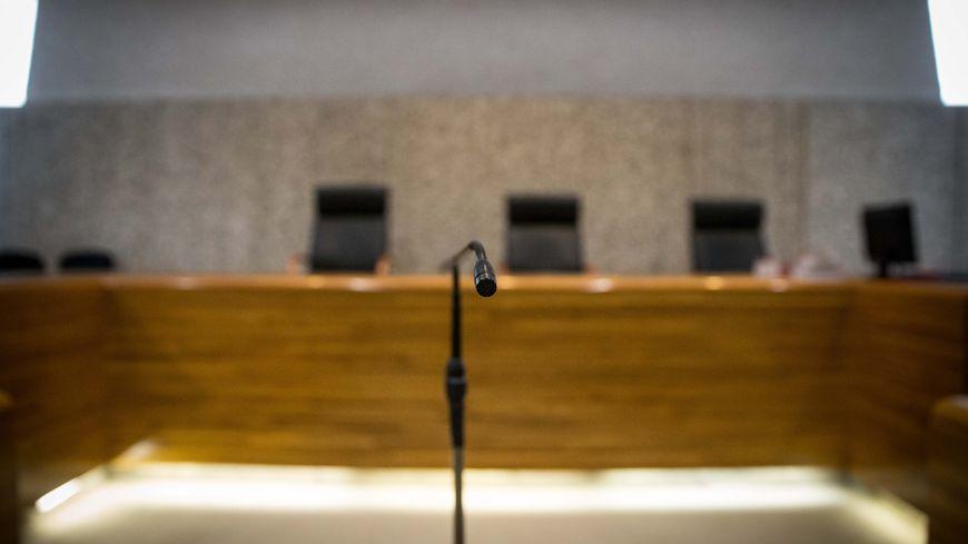 Le procureur a requis 12 mois de prison avec sursis pour le dirigeant d'entreprise accusé de harcèlement sexuel par quatre salariées.