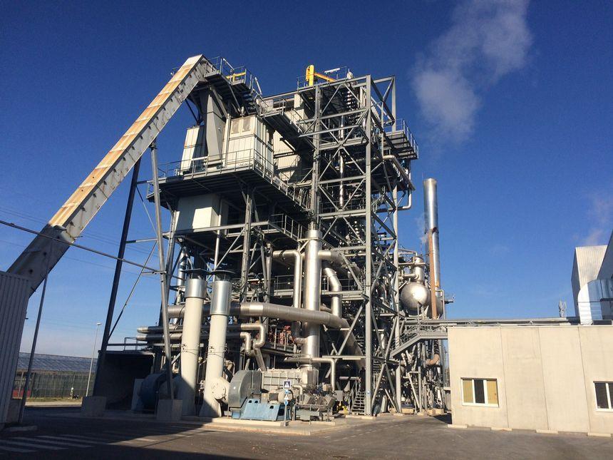 La chaudière biomasse transforme le bois en électricité ou en chaleur pour alimenter plusieurs bâtiments de la commune de Pierrelatte. © Radio France - Mélanie Tournadre