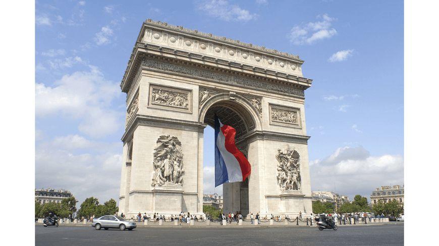 Le nom du civraisien Olivier Macoux Rivaud figure sur l'Arc-de-Triomphe de l'Étoile à Paris