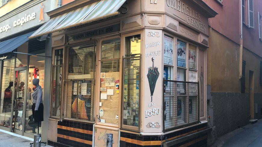 La boutique du parapluie avait ouvert à Nice en 1850