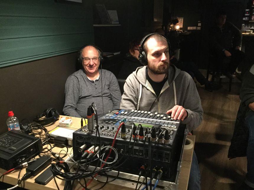 Patrick et Romain, les techniciens de l'émission