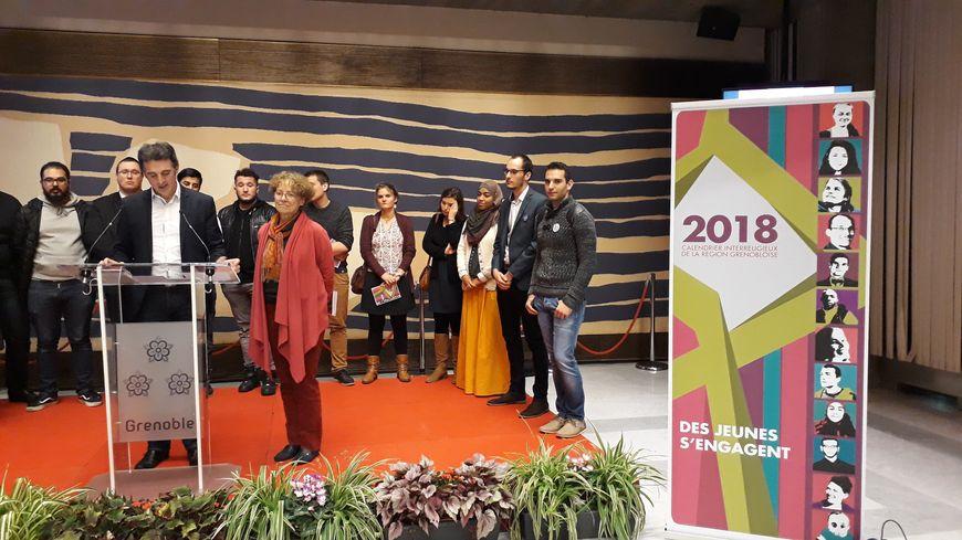 Lors de la présentation du calendrier inter-religieux, à Grenoble