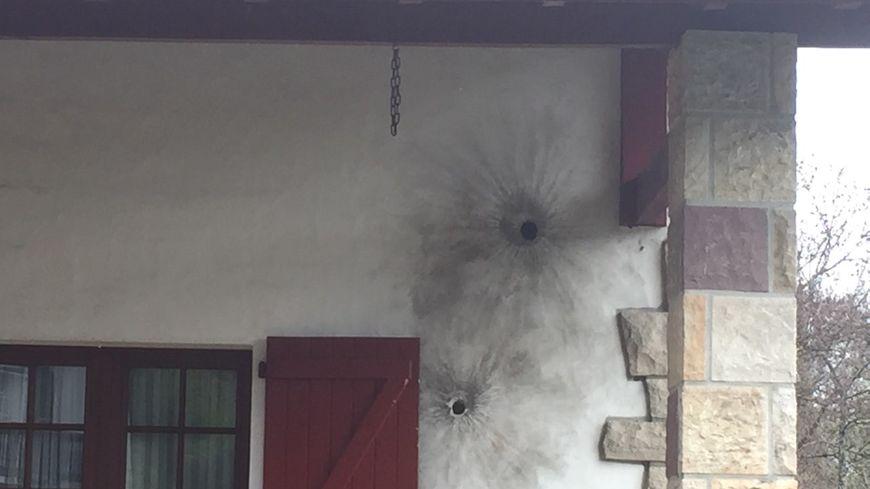 Les policiers ont utilisé des grenades assourdissantes