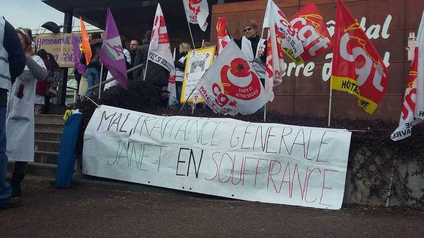 Lors de la manifestation en mars 2016 devant l'hôptal Janet du Havre