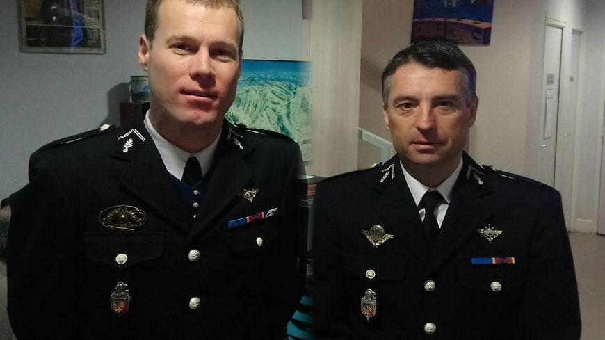 Le lieutenant-colonel Didier Plunian (à gauche) et le colonel Yves Marzin (à droite)