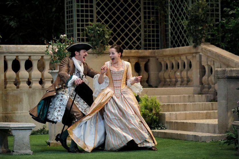 Le Jeu de l'amour et du hasard, au Théâtre de la Porte Saint-Martin